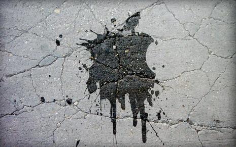 37_splashed_apple