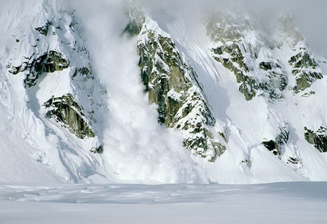 rock_mountain_avalanche