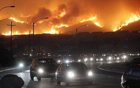 wildfires_force_evacuations_in_la