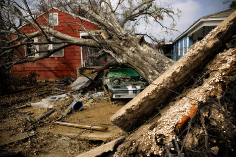 using_web_services_to_prevent_and_keep_track_of_natural_disasters