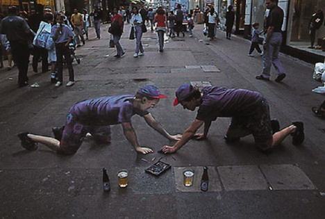 self_portrait_of_the_artist_with_liquid_refreshment_by_julian_beever