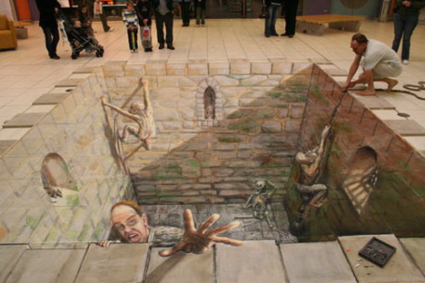 that_hemmed_in_feeling_by_julian_beever