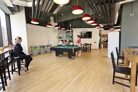49_amazon_office_photo