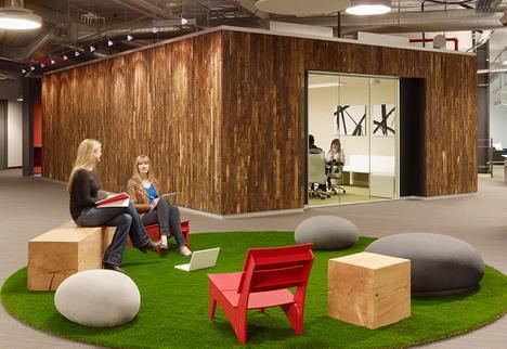 60_skype_office_photo