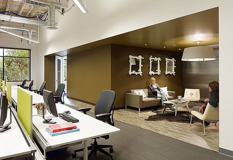 65_skype_office_photo