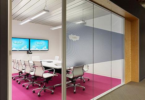 66_skype_office_photo