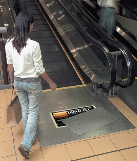 duracell_escalator
