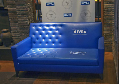 nivea_goodbye_cellulite_sofa