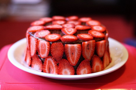 strawberry_chocolate_cake_2