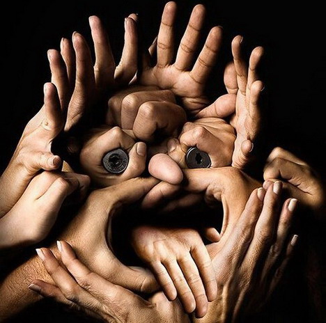 face_made_of_hands_best_optical_illusion