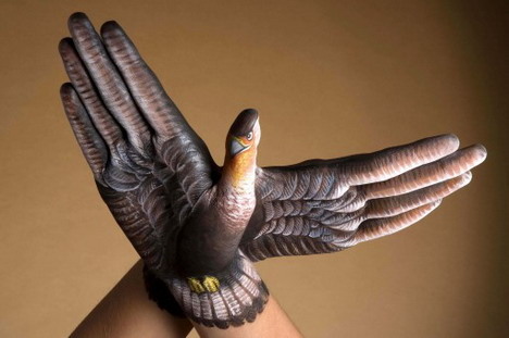 falcon_2_hands_best_animal_hand_painting