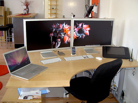 new_silly_mac_setup_2_best_computer_workstation_setups