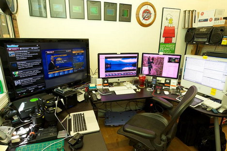 vtphotog_s_workspace_best_computer_workstation_setups