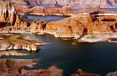 lake_powell_beautiful_nature_landscapes_photographs