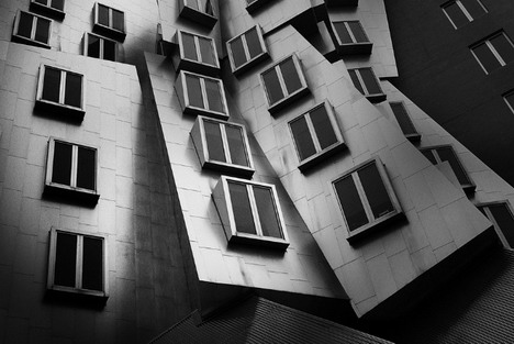 collapsing_windows_beautiful_architecture_photography