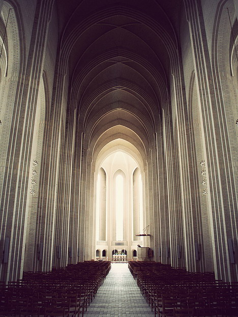 grundtvigs_church_beautiful_architecture_photography