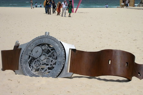 watch_lost_on_the_beach