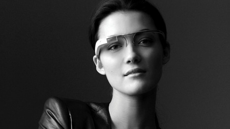 model_with_google_glass