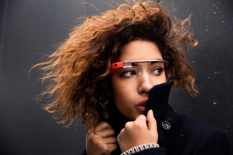 model_with_google_glass2