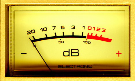 blackberry_phone_works_as_a_decibel_meter