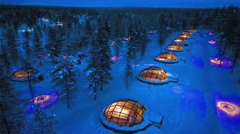 kakslauttanen_arctic_resort_01
