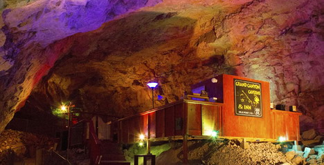 the_grand_canyon_caverns_01