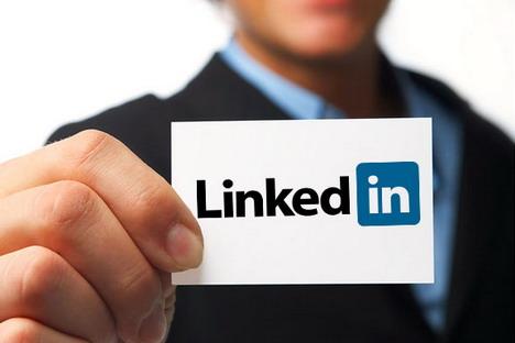 linkedIn-tips-to-get-headhunted