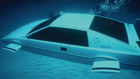 james-bond-submarine-car