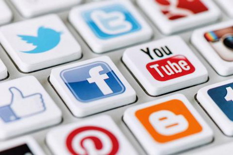 best-tools-manage-all-social-media-accounts