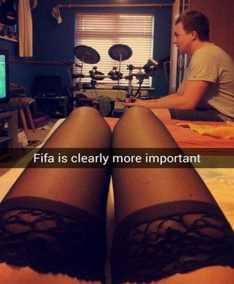 fifa-or-a-girl-waiting-for-you